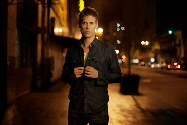 Blues Artist JONNY LANG Coming to The Newton Theatre