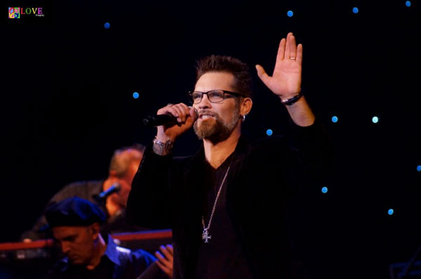 """New Jersey is the BEST!"" Blood, Sweat and Tears Featuring Bo Bice LIVE at The State Theatre!"