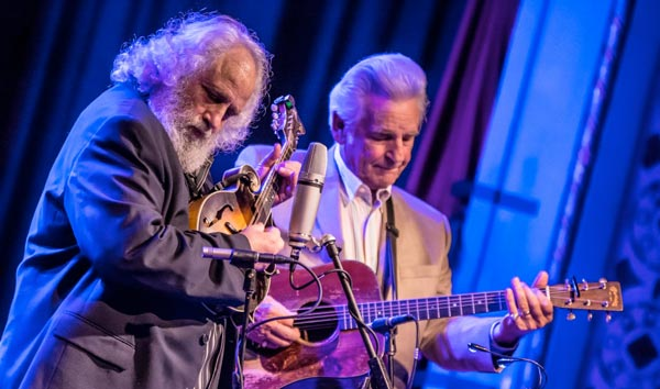 Bluegrass Greats Del & Dawg To Come To The Newton Theatre