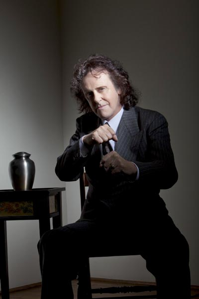 "Donovan Brings His 50th Anniversary Celebration of ""Sunshine Superman"" to BergenPAC on June 1"