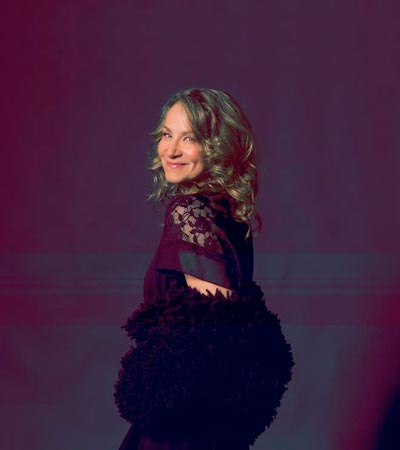 Joan Osborne To Sing Songs Of Dylan at The Grunin Center