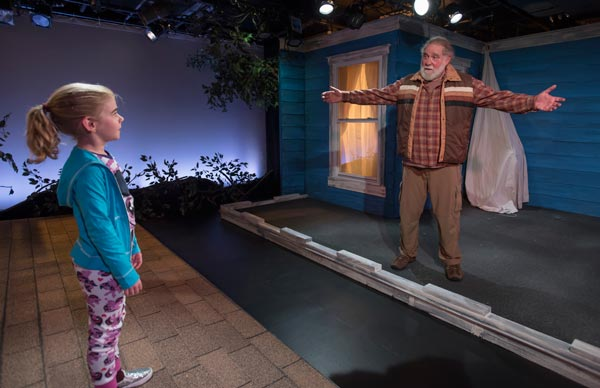 """REVIEW: """"The Net Will Appear"""" at Mile Square Theatre"""