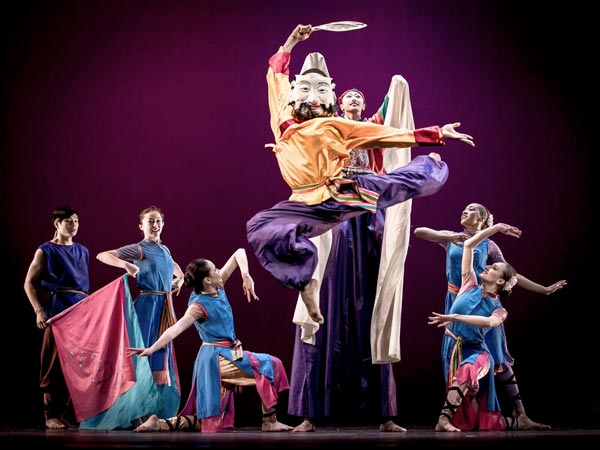 """Inside Nai-Ni Chen Dance Company's """"Year Of The Rooster""""at NJPAC"""