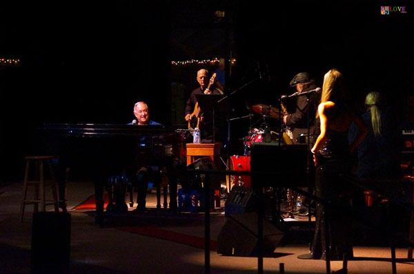 """Absolutely Wonderful"" Neil Sedaka LIVE! at Ocean Grove's Great Auditorium"