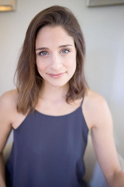 "Elena Shaddow To Star in ""Mary Poppins"" at Paper Mill Playhouse"