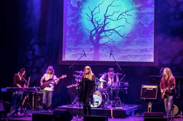 TUSK, The Ultimate Fleetwood Mac Tribute Comes To Newton