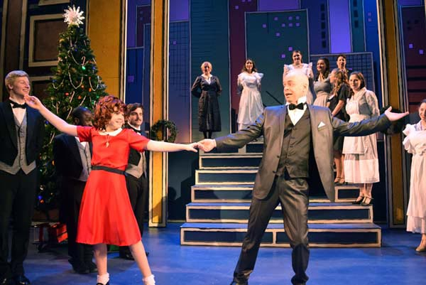 """""""Annie"""" Heads Into Final Weekend at Centenary Stage Company"""