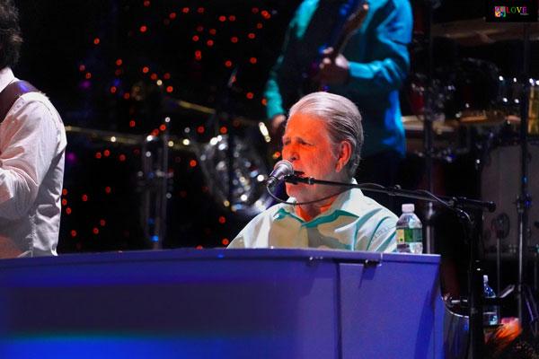 uk availability d9d6d ae2a7 The Brian Wilson Christmas Album Tour LIVE! at BergenPAC