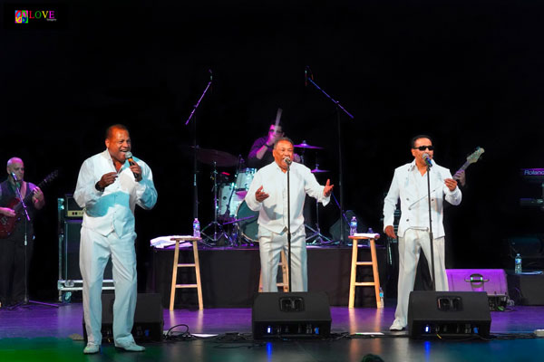"""""""Great Music!"""" Tavares and Harold Melvin's Blue Notes LIVE! at the Strand Theater"""