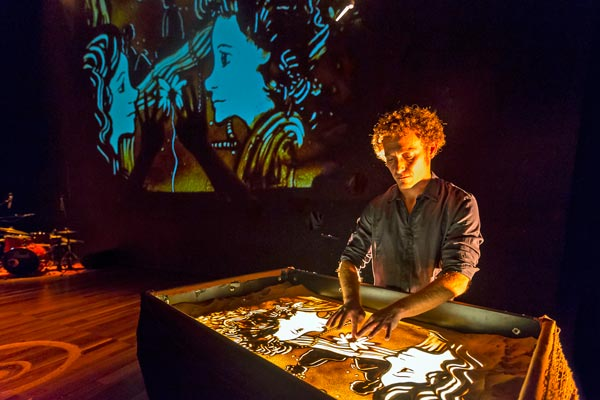 Live Storytelling with Sand: Spanish Theatre Company Brings Dreams to Jersey City