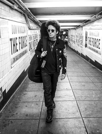 Outpost in the Burbs Presents Willie Nile and Band