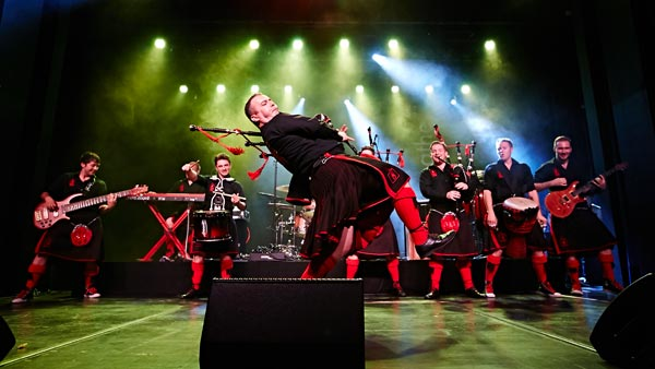 The Red Hot Chilli Pipers To Perform At The Newton Theatre