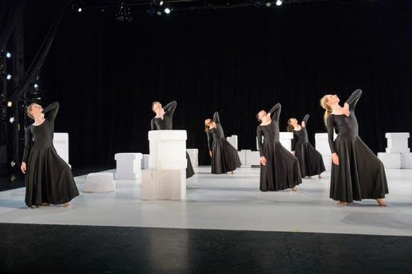 "Peak Performances Presents The East Coast Premiere of ""Elizabeth, The Dance"""