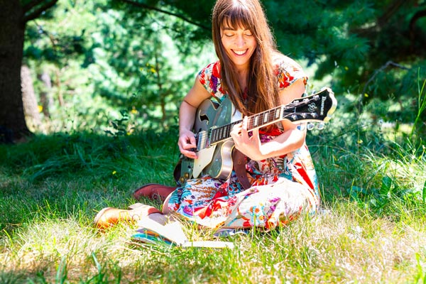 MPAC Presents Alisa Amador In Online Concert On May 29th