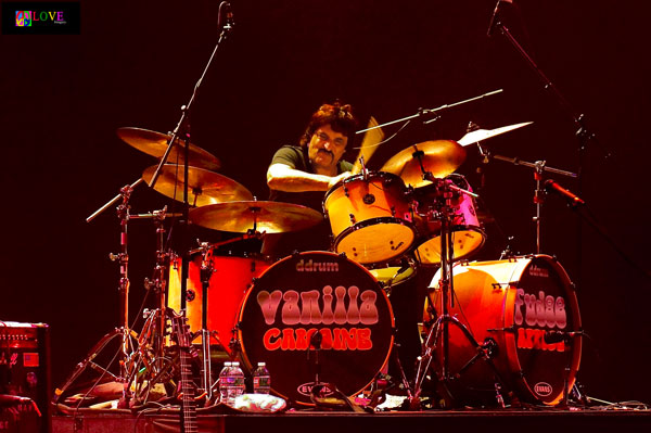 """You Keep Us Hangin' On!"" Spotlight on Vanilla Fudge's Carmine Appice"