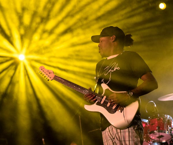 The Newton Theatre Presents Eric Gales With Billy Hector