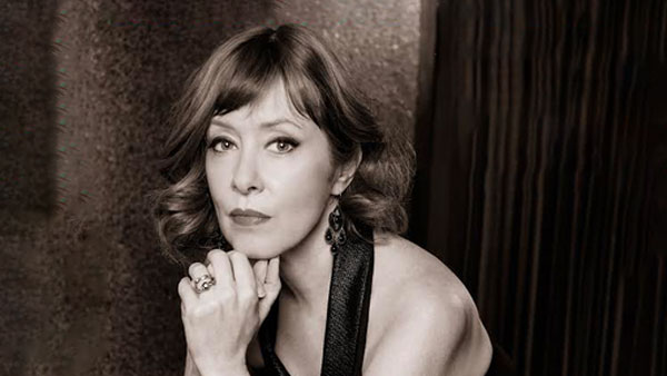 Suzanne Vega To Celebrate Release New Album With Livestream On October 7