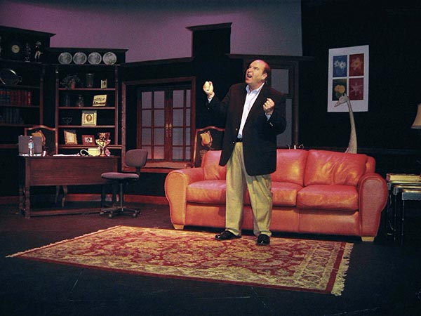 """""""My Mother's Italian, My Father's Jewish & I'm in Therapy"""" Comes To Monmouth University"""