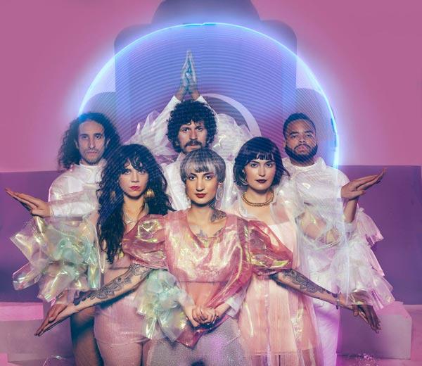 """Y La Bamba Releases """"Entre Los Dos"""" Video"""