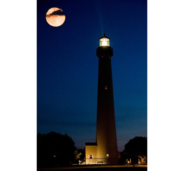 Cape May Offers Lighthouse Full Moon Climbs