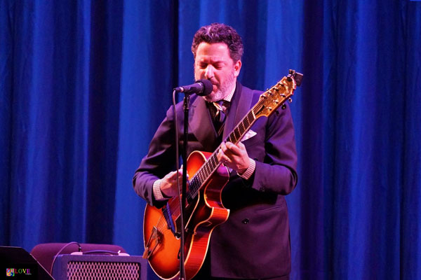 """An Interview with John Pizzarelli, Who Stars with Catherine Russell in """"Billie and Blue Eyes"""" at Toms River's Grunin Center on Sept. 26"""