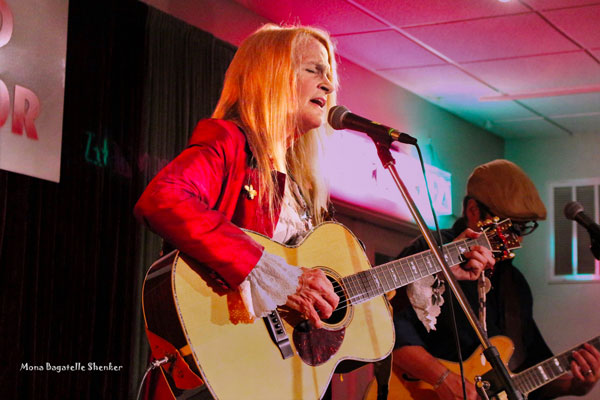 """From """"Sister Kate"""" to """"Why Wait?"""" Spotlight on Singer/Songwriter Kate Taylor"""