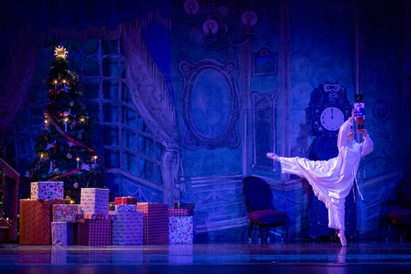 """Roxey Ballet To Hold Auditions For """"The Nutcracker"""" On September 11"""