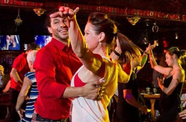 State Theatre presents Online Salsa Basics Class with Elvis Ruiz On April 29
