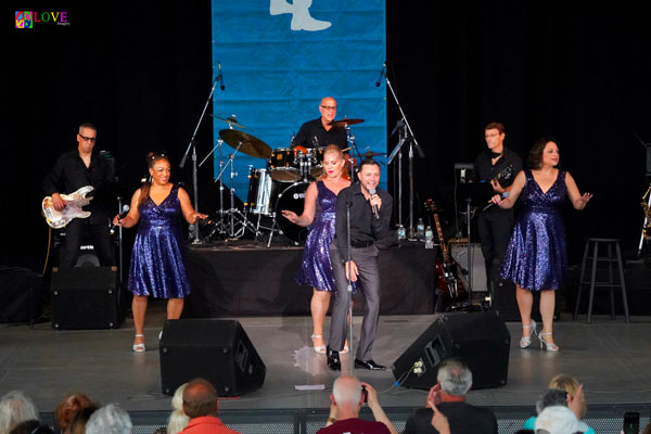 """""""Jamming with The Coda Band Featuring The Chiclettes!"""" Vinnie Medugno LIVE! at the PNC Bank Arts Center"""